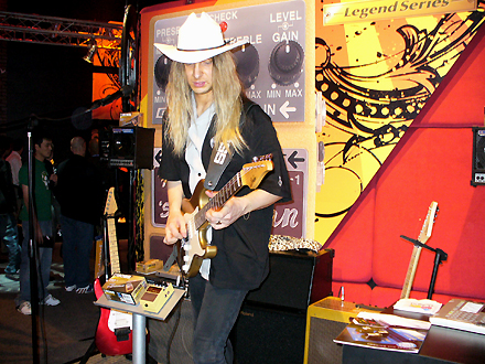 Rob at The NAMM Show 2007 #1